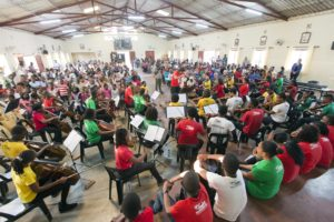 Sistema program in a community hall in Mozambique